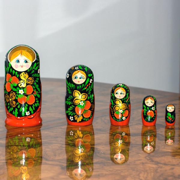 Matrjoschka Babuschka Chochloma rot 5 Puppen, 15 cm